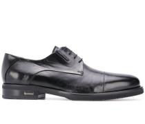 Derby-Schuhe mit Schlitzen