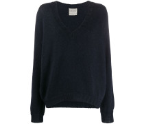 v-neck long-sleeved jumper