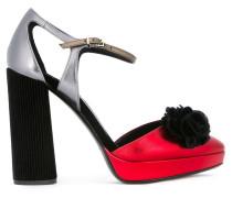 Metallische Sandalen mit Plateausohle