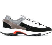 'Pyro Tweek' Sneakers