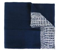 Schal mit kontrastfarbigen Enden