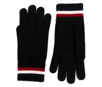 Handschuhe mit gestreiften Kanten
