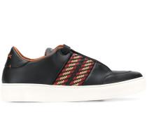 Sneakers mit gewebtem Detail