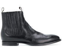 classic fitted Chelsea boots