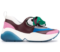 Sneakers mit Schaldetail