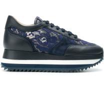 Sneakers mit Spitze