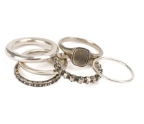Set aus 6 'Eternity' Ringen