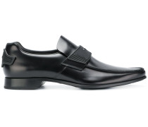 pointed toe oxfords
