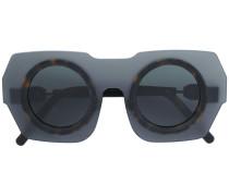 Sonnenbrille mit Kontrasteinsatz