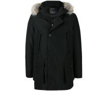 Gefütterter Mantel mit Kapuzenbesatz
