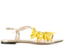 Sandalen mit Bananenverzierung