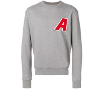 "Sweatshirt mit ""A""-Patch"