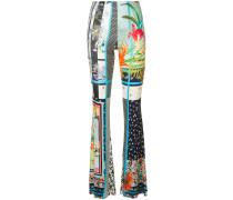 Hose mit ausgestelltem Bein