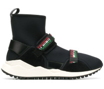 Sock-Sneakers mit Logo-Riemen