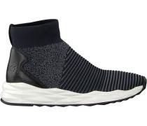 Blaue Ash Sneaker Spot