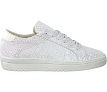 white Omoda shoe 8675