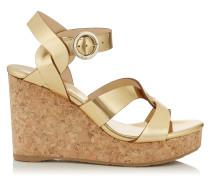 Aleili 100 Schuhe aus Glanzleder in Gold mit Wedge und Schnalle