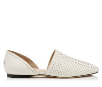 Globe Flat Flache Schuhe aus Nappaleder in Kreideweiß mit Nietendetails