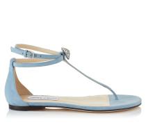 Afia Flat Flache Sandalen aus wasserfarbenem Wildleder mit Kristallstück
