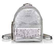 Cassie/s Rucksack aus silbernem Faltenleder in Metallic-Optik mit runden Nietendetails