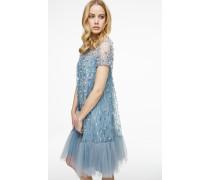 Kleid aus Seile und Tüll mit Stickerei