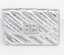 BB Portemonnaie mit Metallic-Effekt und Kette