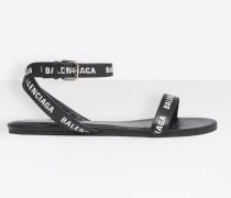 Flache Sandalen mit runder Zehenpartie