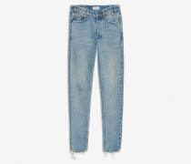 Jeans mit V-förmigem Hosenbund