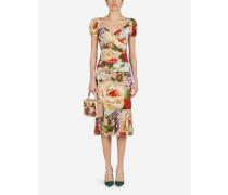 Kurzärmeliges Longuette-Kleid aus Charmeuse mit Beigem Blumendruck
