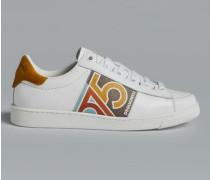 1975 Sneakers