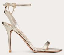 Valentino Garavani Sandalen aus Laminiertem Nappaleder mit Kettendetail und  Mm-absatz