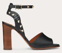 Valentino Garavani Sandalen aus gekörntem Kalbsleder mit Fesselriemen