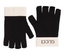 Fingerlose Handschuhe in Häkelarbeit