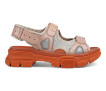 Sandale aus Leder und Netzgewebe