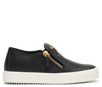 Leather low-top sneaker EVE