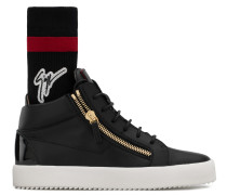 Black calfskin leather low-top sneaker with black and red sock with logo KRISS PLUS