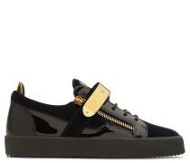 Velvet low-top sneaker TYLOR