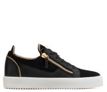 Black suede and calfskin low-top sneaker KIRK LOW