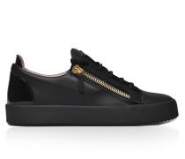 Black calfskin low-top sneaker FRANKIE