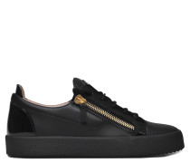 Black calfskin low-top sneaker FRANKIE
