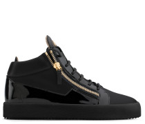 Leather sneaker with patent leather insert KRISS