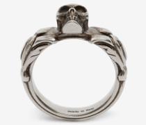 Strukturierter Skull-Ring