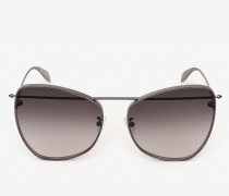 Butterfly-Sonnenbrille mit Piercing-Detail