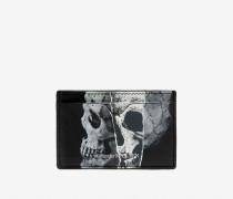 Kartenetui Torn Skull