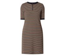 Kleid mit Wabenstruktur und Streifenmuster