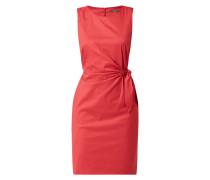 Kleid mit seitlicher Schnürung