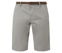 Regular Slim Fit Chinoshorts mit Gürtel