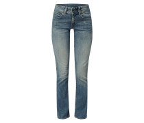 Straight Fit Jeans mit Knopfriegel