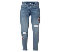 Boyfriend Jeans mit floraler Stickerei