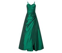Abendkleid aus Taft mit gelegten Falten